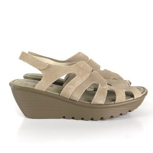 Skechers Memory Foam tan wedge sandals Size 9.5